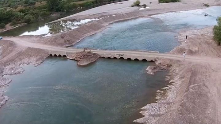 Γκρεμίστηκε η γέφυρα που ένωνε την Ναύπακτο με το Αγρίνιο (video)