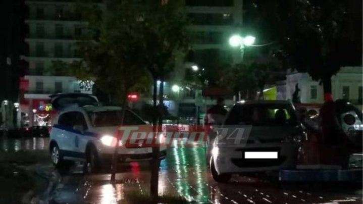 Πάτρα: «Τρελό» αυτοκίνητο μπήκε στην πλατεία Γεωργίου και σταμάτησε σε… παιδικά παιχνίδια