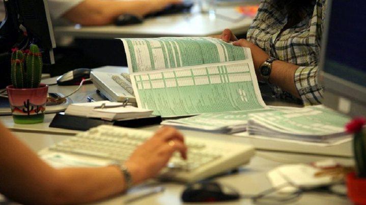 Προεκλογικό δώρο; Ξεκινά η καταβολή επιστροφών φόρου εισοδήματος μέχρι €10.000