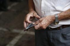 """Κοινωνικό μέρισμα: Στην """"απ'έξω"""" ξανά 3 στους 4 συνταξιούχους"""