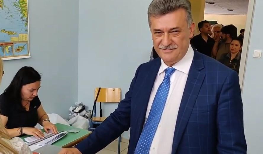 Ασκησε το εκλογικό του δικαίωμα ο Βασίλης Νανόπουλος