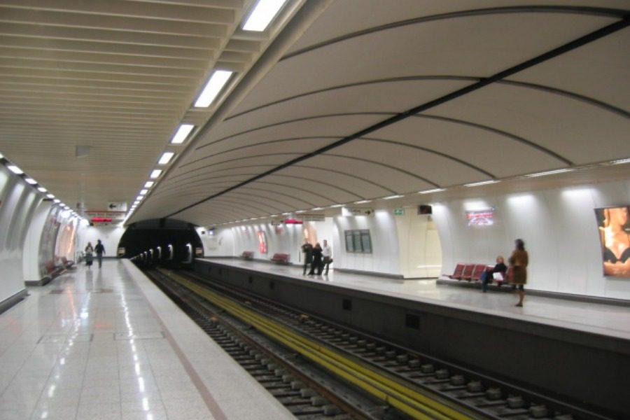 Διακοπή δρομολογίων στο μετρό λόγω ύποπτης βαλίτσας