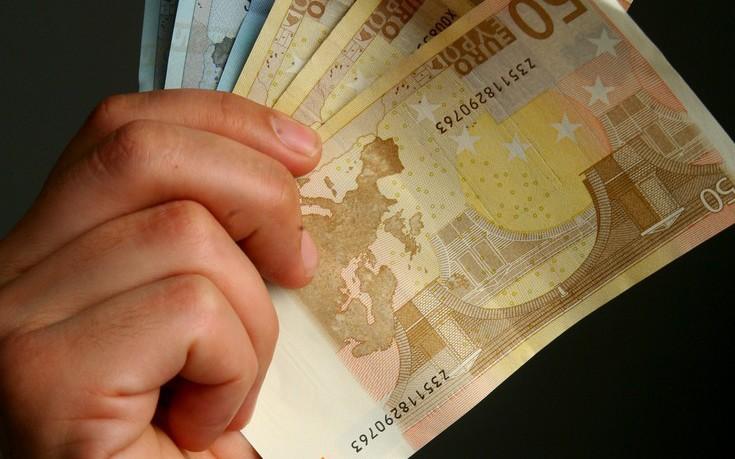 Τραπεζικές καταθέσεις: Τι ισχύει για κληρονομιά, γονική παροχή και δωρεά