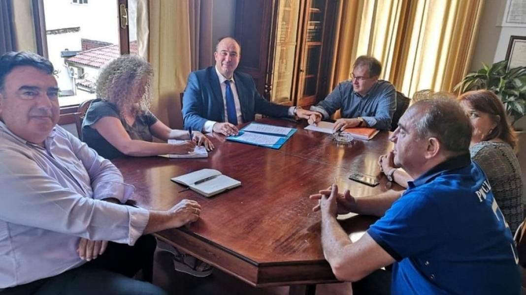 Συνάντηση εργασίας του Αντιπεριφερειάρχη στο Δήμο Ξυλοκάστρου – Ευρωστίνης