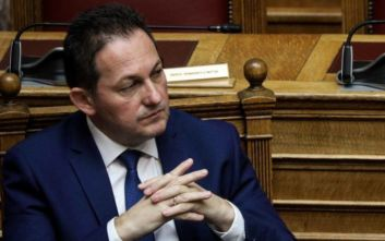 Πέτσας προς ΣΥΡΙΖΑ: Μη ζητάτε παρεμβάσεις που δεν νοούνται σε ευνομούμενα κράτη