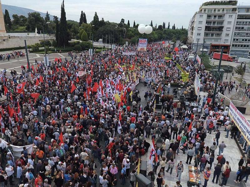 Πρωτομαγιά: Η κυβέρνηση λέει εορτασμοί στις 9/5, το ΚΚΕ προαναγγέλει κανονικά συγκέντρωση