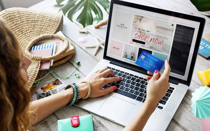 Κορονοϊός: Το 73% των Ελλήνων αγοράζει από ελληνικά e-shops