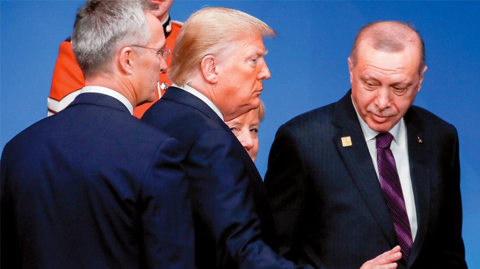 Ερντογάν: Από τον κορωνοϊό μπορεί να γλιτώσει, από τη χρεοκοπία όχι