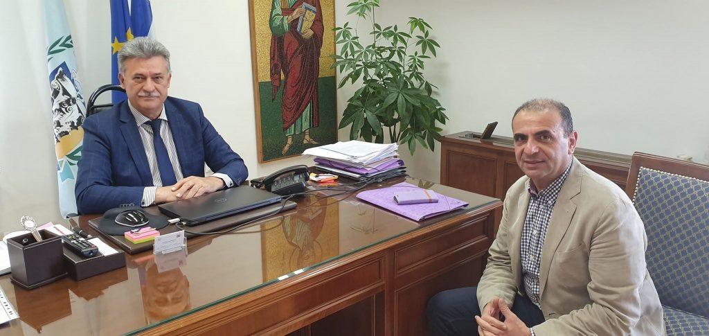 Τι είπαν στην πρώτη τους συνάντηση ο Δήμαρχος Κορινθίων και ο Διοικητής της Δομής Μεταναστών