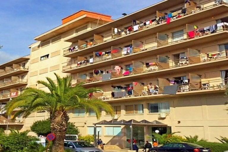 Μαζική «απόδραση» των Αφρικανών από το ξενοδοχείο στο Κρανίδι – Έκαναν bullying στο υγειονομικό προσωπικό!