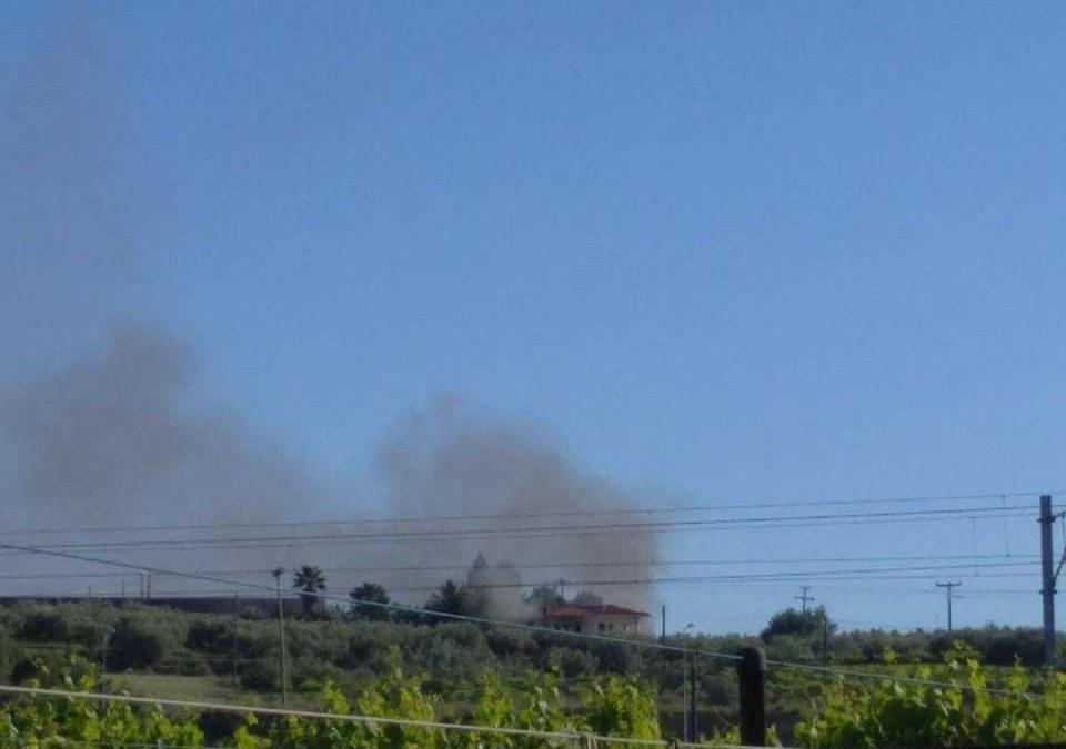 Τώρα φωτιά σε σπίτι στο Ζευγολατιό