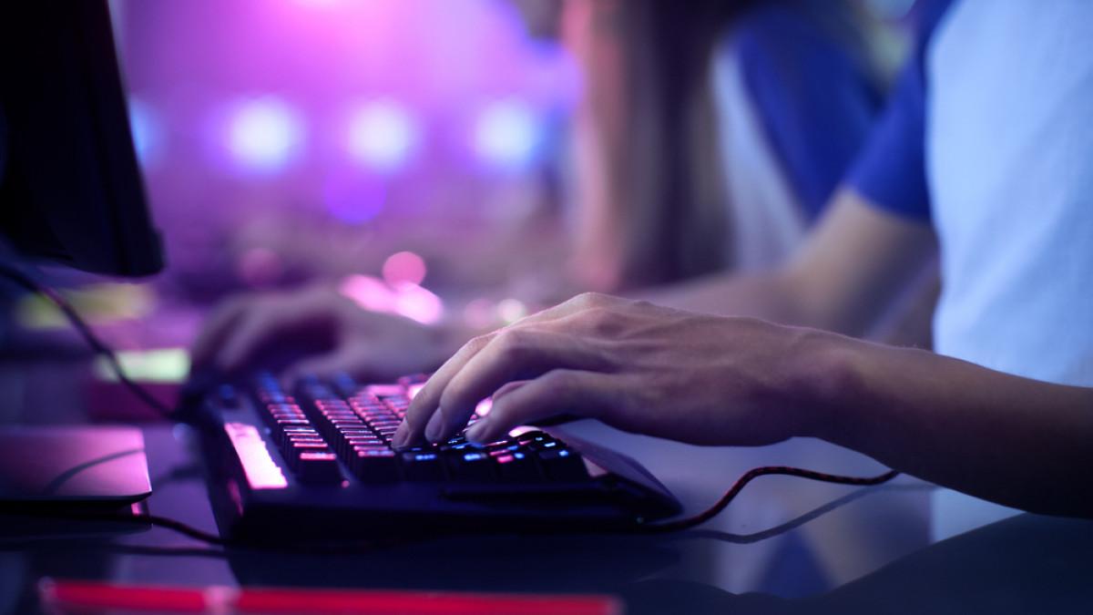 Γιατί συνταξιοδοτήθηκε στα 23 του ο διασημότερος gamer της Κίνας