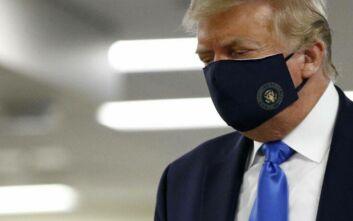 Τραμπ: Πατριωτικό να φοράτε μάσκα