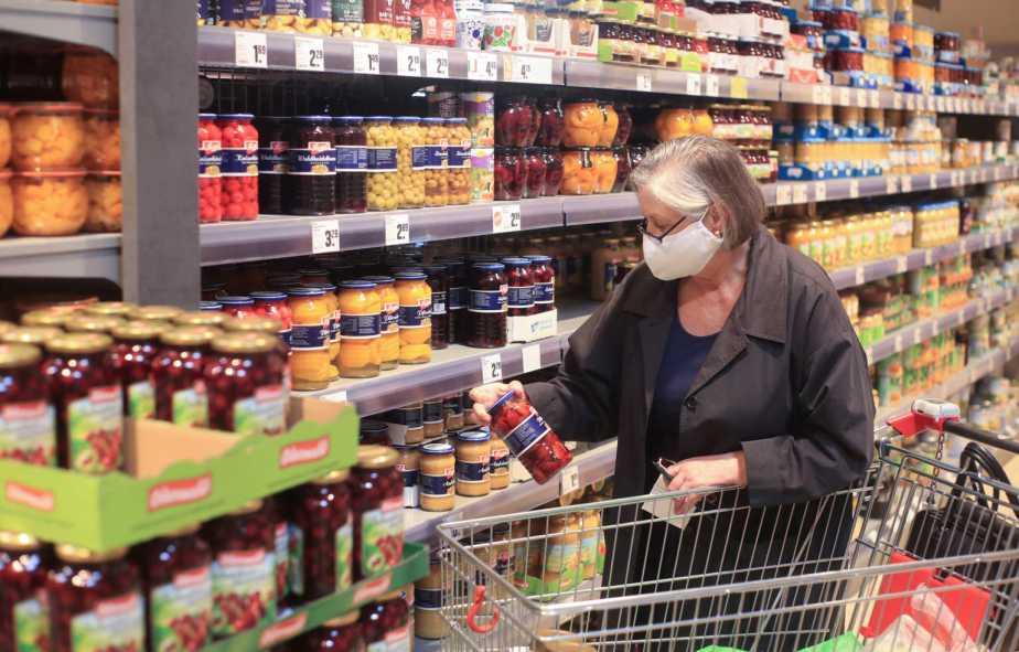 Υποχρεωτικές από σήμερα οι μάσκες στα σούπερ μάρκετ