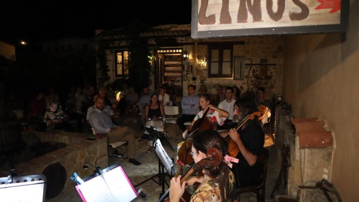 Μια βραδιά μαγική του Αυγούστου όπου η τέχνη συνάντησε την παράδοση
