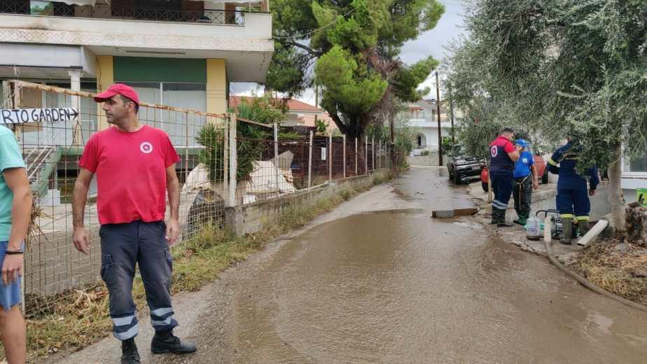 Αυτοψία στα πλημμυρισμένα Λουτρά Ωραίας Ελενης