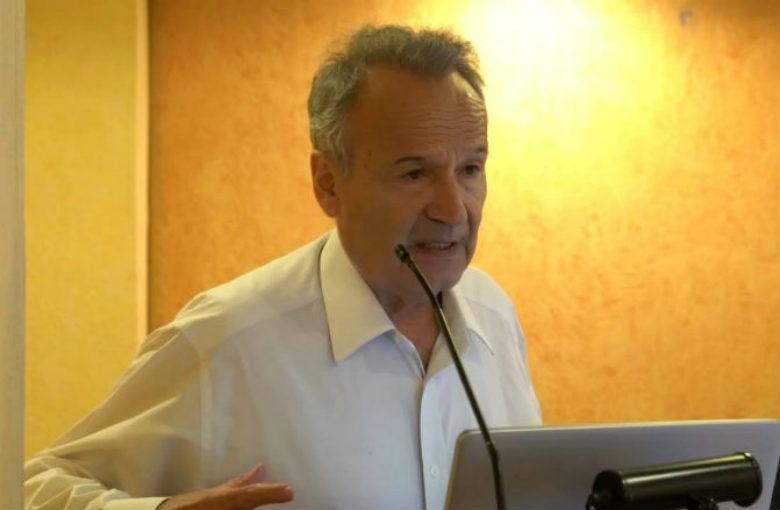 Ο καθηγητής Δημητράκος κρούει τον κώδωνα της ισλαμιστικής απειλής