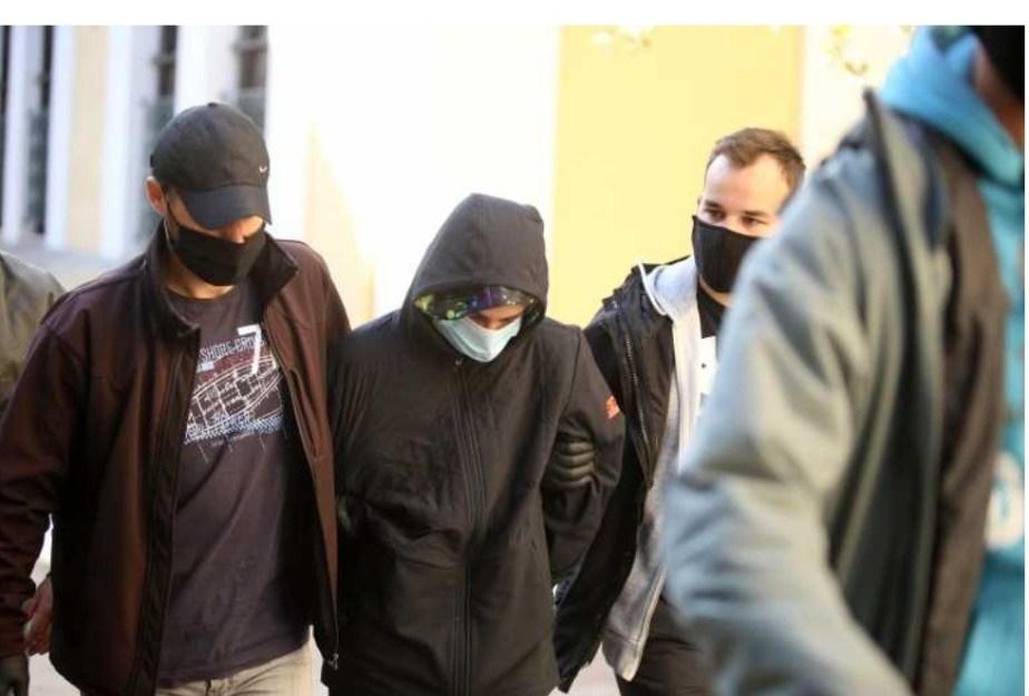 Συγκλονίζει ο πατέρας του 16χρονου από το Λουτράκι: «Αν σκότωσε, να καταδικαστεί»