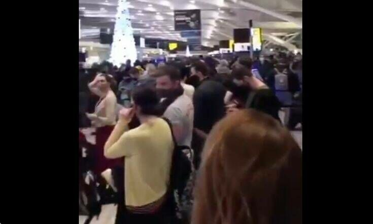 Νέο στέλεχος κορονοϊού στη Βρετανία: Χαμός στο αεροδρόμιο του Χίθροου