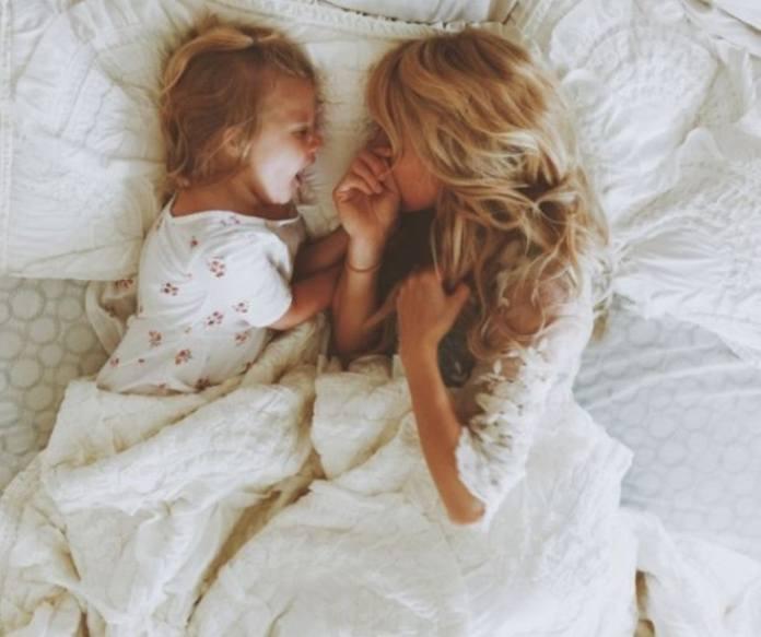 Παιδί κρεβάτι