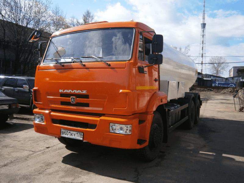 Доставка воды водовозом в Санкт-Петербурге и Ленинградской области