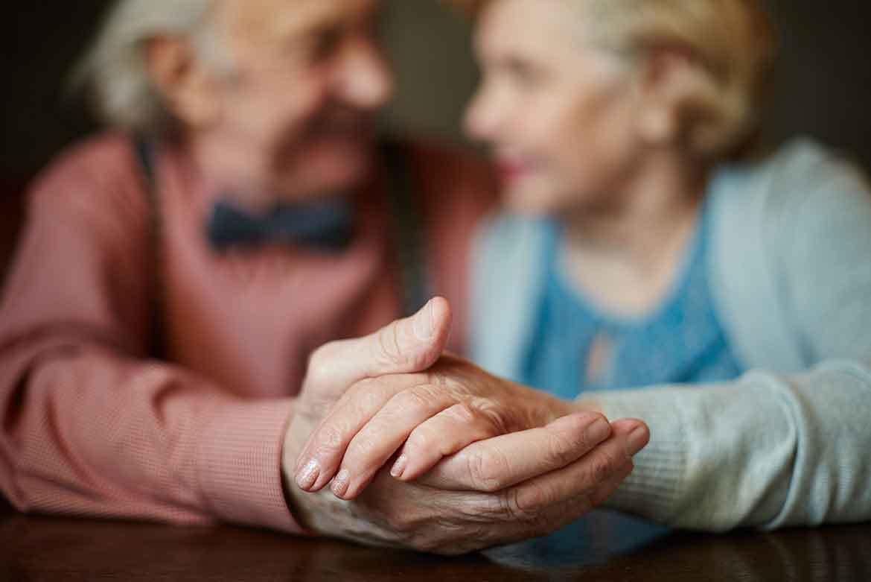 fizik-tedavi-ve-rehabilitasyon-eksen-saglik-Yaşlılara Sosyolojik ve Psikolojik Destek