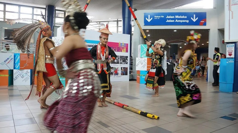 Stalling rush hour through the Iban dance form at the Masjid Jamek LRT
