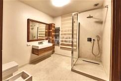rzut na łazienkę w apartamencie do wynajmu (Szczecin)