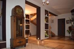 luksusowy salon w willi na sprzedaż w Strzelinie