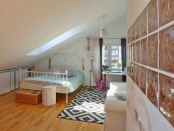 luksusowo urządzona sypialnia w apartamencie na sprzedaż w Kwidzynie