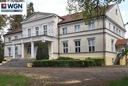front pałacu do sprzedaży w województwie kujawsko-pomorskim