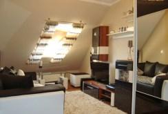 zdjęcie przedstawia komfortowo urządzony pokój w apartamencie do sprzedaży w Gorzowie Wielkopolskim