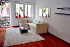 widok na salon w apartamencie w Grodzisku Mazowieckim do sprzedaży
