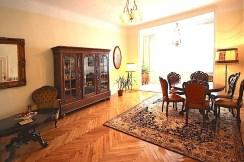 widok na jedno z luksusowych pomieszczeń w willi w Szczecinie na wynajem