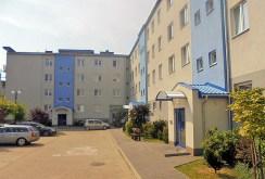 tak wygląda osiedle w Radomiu i budynek, w którym znajduje się oferowany na sprzedaż apartament