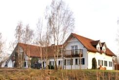 widok od strony stawu na dwór do sprzedaży Grodzisku Mazowieckim