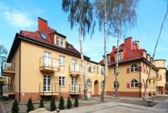 zdjęcie przedstawia budynek, w którym zlokalizowany jest sprzedawany apartament w Świnoujściu