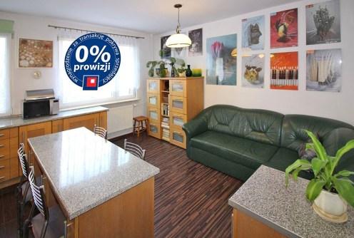 zdjęcie przedstawia salon w luksusowym apartamencie w Łodzi do sprzedaży