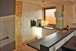 nowoczesna i ekskluzywna kuchnia w apartamencie w okolicy Katowic do sprzedaży