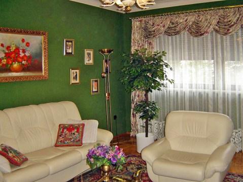 zdjęcie przedstawia salon w willi na sprzedaż we Wrocławiu