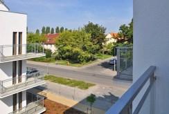 zdjęcie przedstawia widok z tarasu przy apartamencie na wynajem w Toruniu