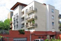 zdjęcie prezentuje apartamentowiec w Katowicach, w którym znajduje się oferowany apartament na wynajem