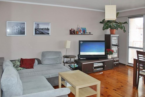 na zdjęciu ekskluzywny salon w apartamencie do sprzedaży w Olsztynie