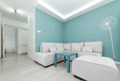 widok na luksusowy salon w apartamencie na sprzedaż w Tarnowie