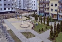 widok na osiedle, na którym znajduje się luksusowy apartament do sprzedaży w Legnicy