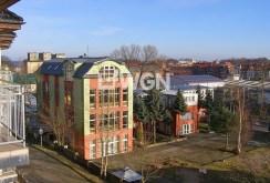 widok z okna ekskluzywnego apartamentu do sprzedaży nad morzem