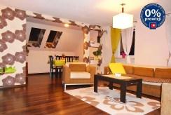 rzut z innej perspektywy na salon w ekskluzywnym apartamencie w okolicy Legnicy do sprzedaży