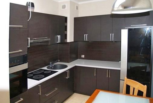 na zdjęciu ekskluzywna kuchnia w apartamencie do wynajmu w Szczecinie