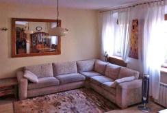 zdjęcie prezentuje ekskluzywny salon w apartamencie do sprzedaży w Chorzowie