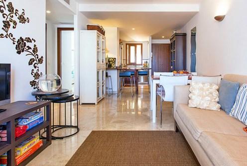 na zdjęciu luksusowe wnętrze apartamentu do sprzedaży w Hiszpanii